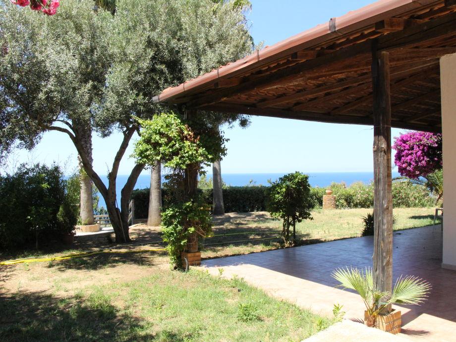 Garten und Haus mit Ausblick