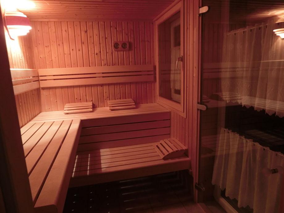Sauna bei Nacht