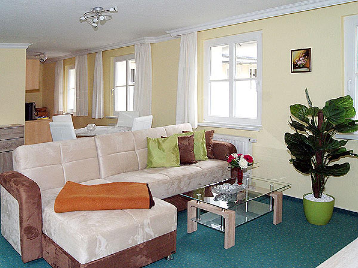 wohnzimmer eckcouch sam 174 wohnzimmer eckcouch ausstellungsst 252 ck zum halben eckcouch. Black Bedroom Furniture Sets. Home Design Ideas