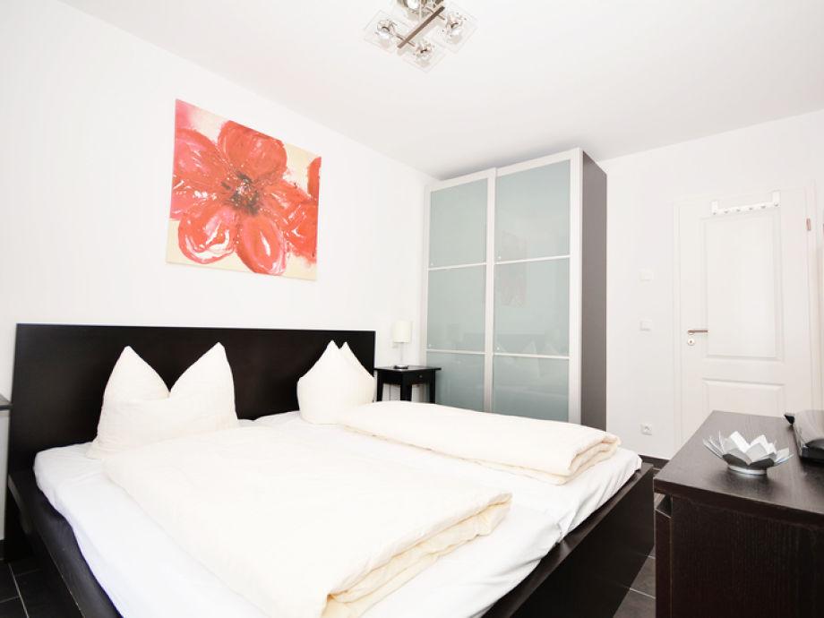 komfort ferienwohnung rosa wg 12 firma meer ferienwohnungen frau eva neumann. Black Bedroom Furniture Sets. Home Design Ideas