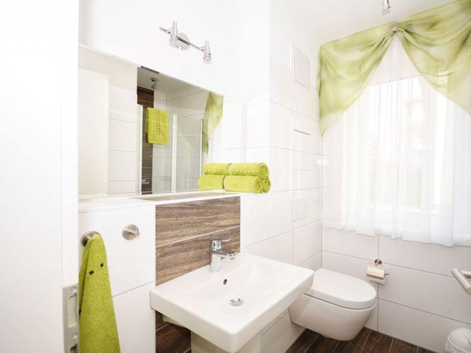 Komfort ferienwohnung gutenberg mecklenburg vorpommern for Moderne badeinrichtung