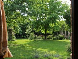 """Ferienhaus """"Artuico"""" mit Garten im Schloss"""