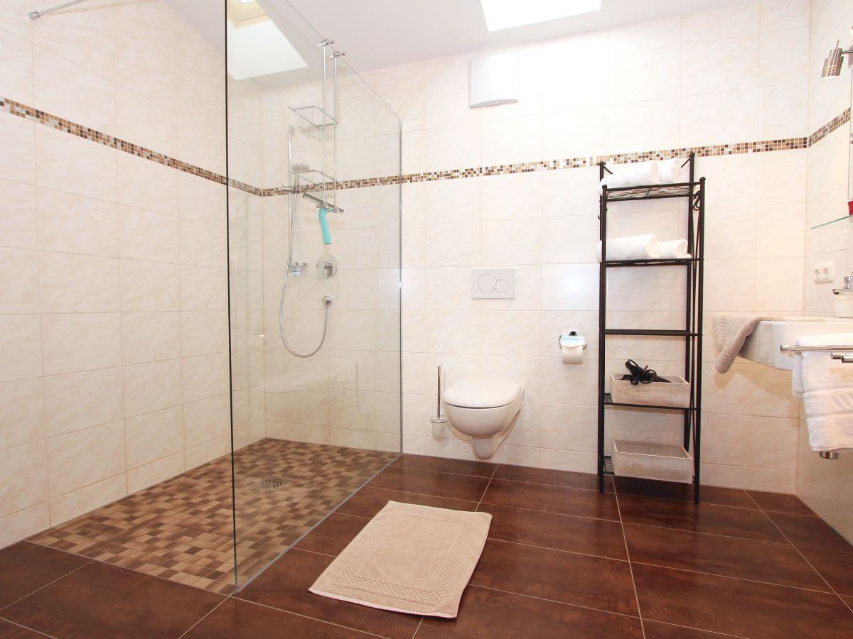 modernes badezimmer mit dusche ~ ihr ideales zuhause stil, Hause ideen