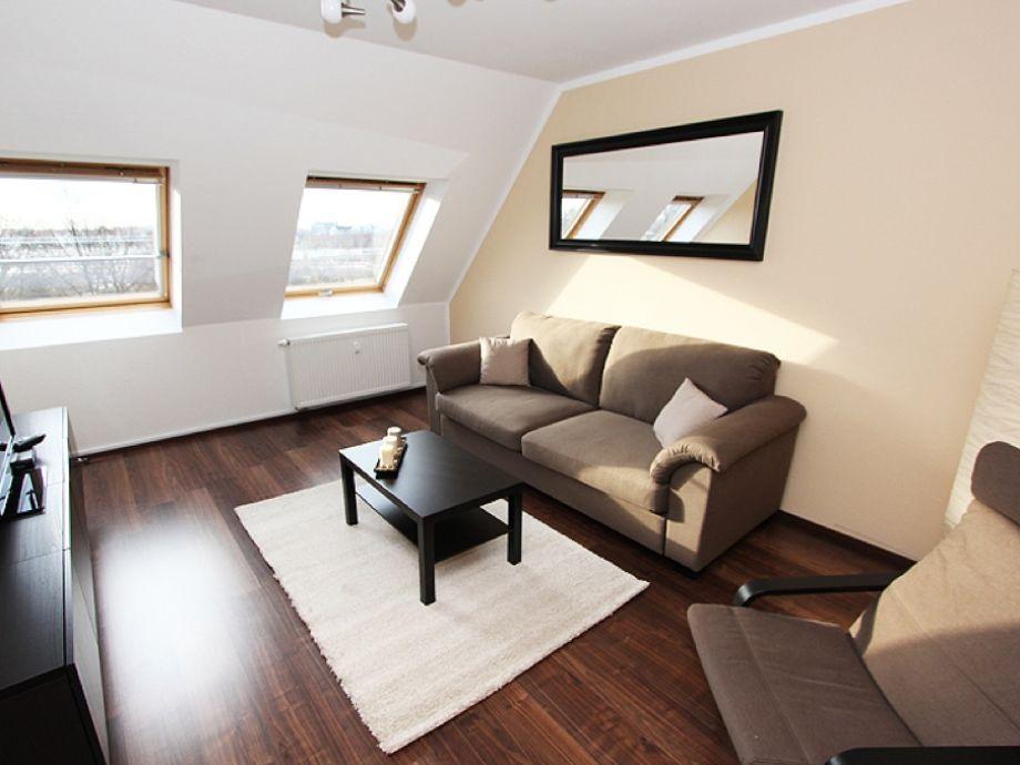 Wohnzimmer (mit Verdunklungs,-wärmeschutzrollo)