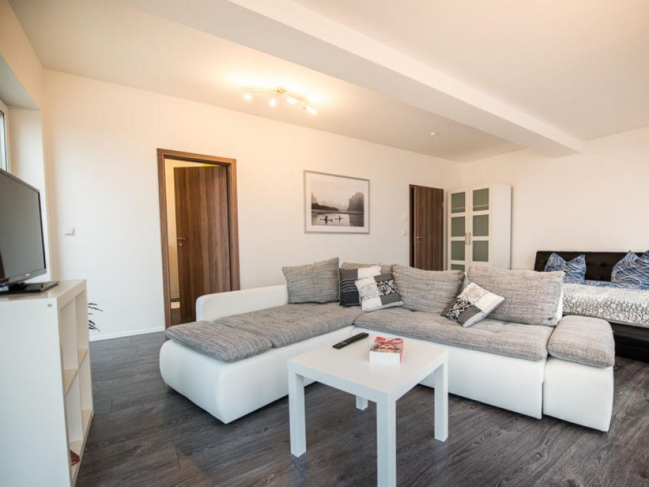 ferienwohnung wohnung 100 zwenkauer hafen leipziger neuseenland firma uta groh frau uta groh. Black Bedroom Furniture Sets. Home Design Ideas