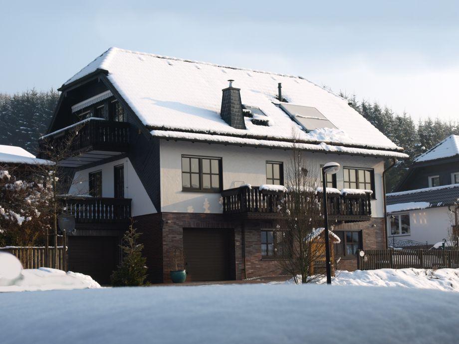 Haus Felsengrund im Winter