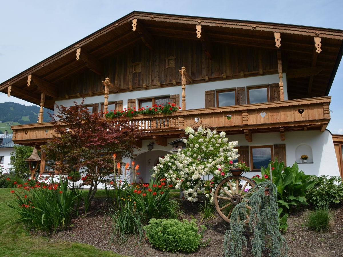 Ferienwohnung zillertalblick sterreich tirol zillertal for Haus mit garten