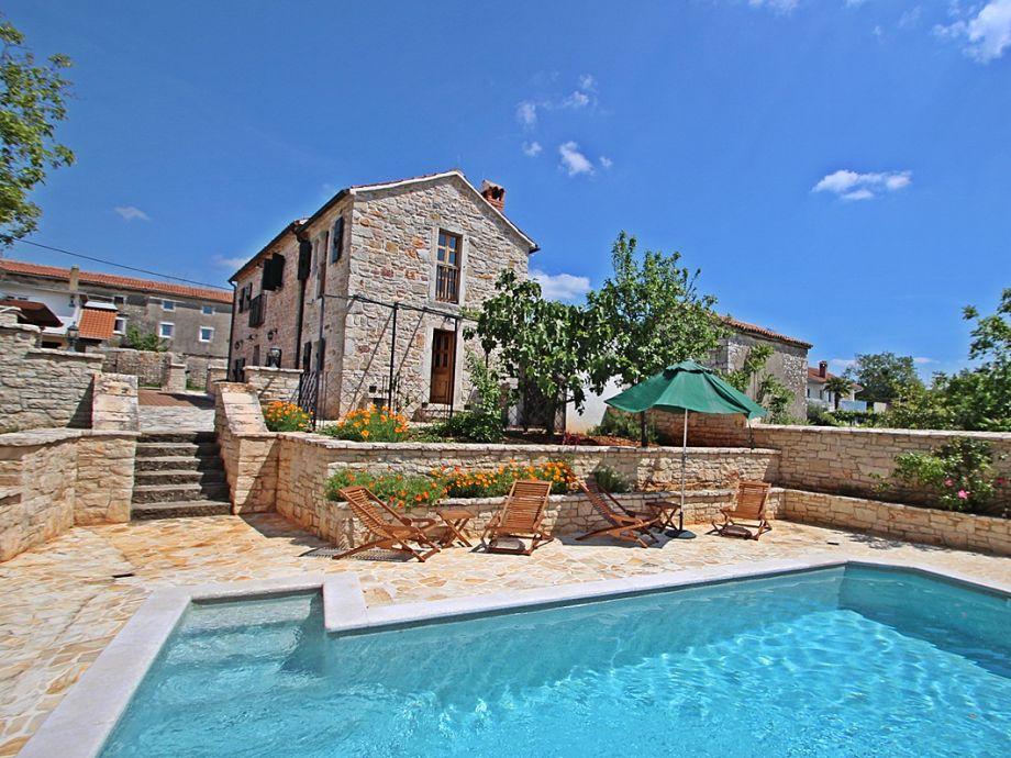 Villa Hanah mit Pool