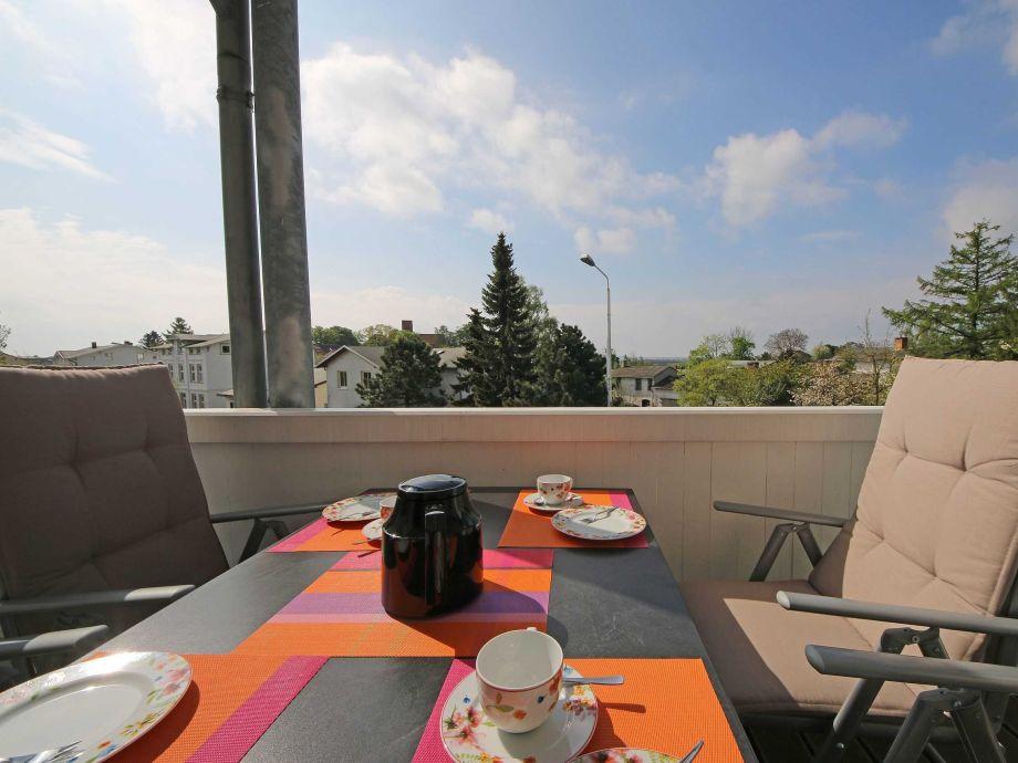 Außenaufnahme A.01 Villa Vineta Whg. 13 mit Balkon