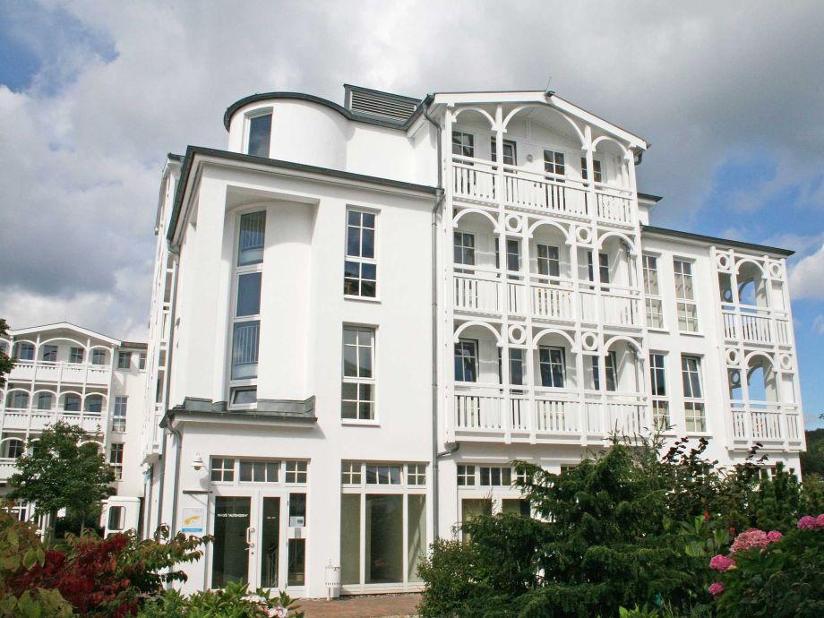 Außenaufnahme in Ferienwohnpark | F.01 Seepark Sellin - Haus Altensien Whg. 466 mit Balkon