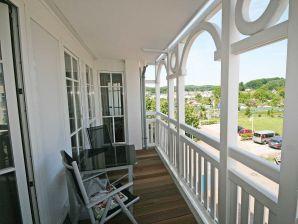 Ferienwohnung in Ferienwohnpark   F.01 Seepark Sellin - Haus Altensien Whg. 466 mit Balkon