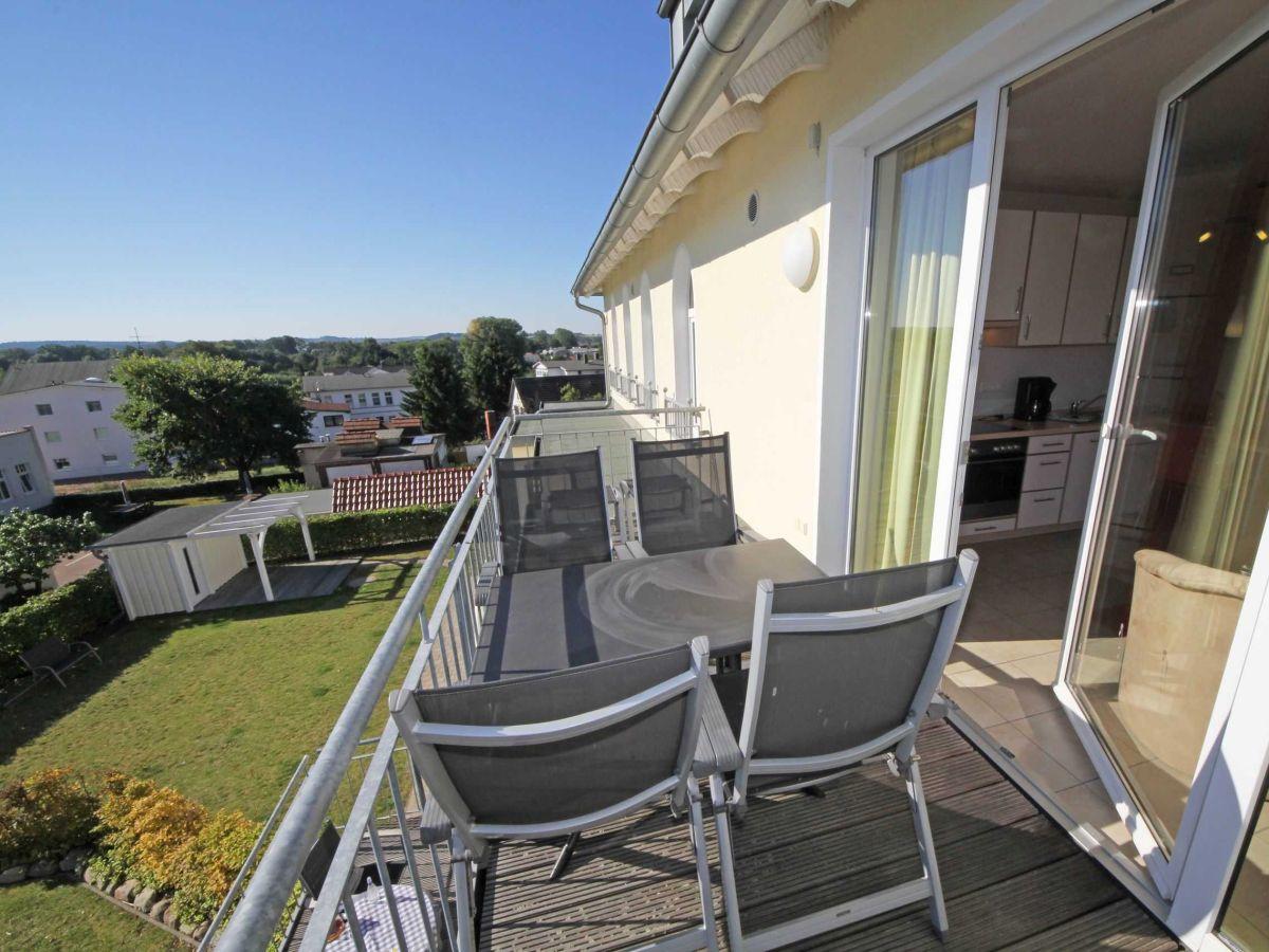 ferienwohnung 09 mit balkon im haus m we ii mecklenburg vorpommern gager firma m nchguter. Black Bedroom Furniture Sets. Home Design Ideas