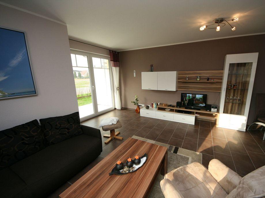 moderner Wohnbereich mit TV