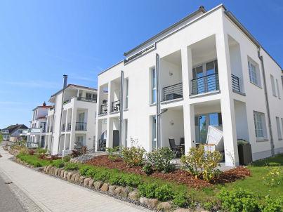 4 mit Terrasse in der Villa Antje