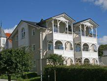 Ferienwohnung 2 Wilhelm in der Villa Wilhelmine mit Terrasse