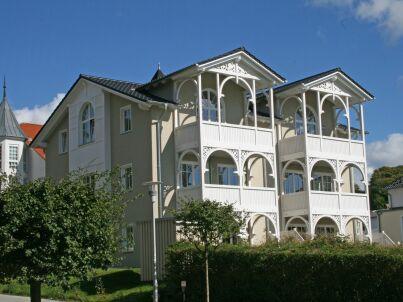 2 Wilhelm in der Villa Wilhelmine mit Terrasse