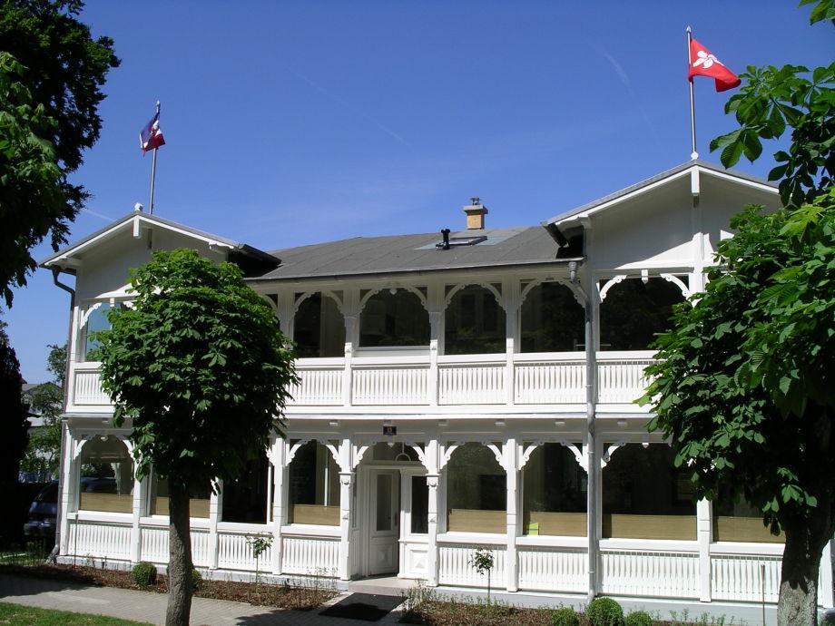 Villa Ahlbeck von der Putbuser Straße aus