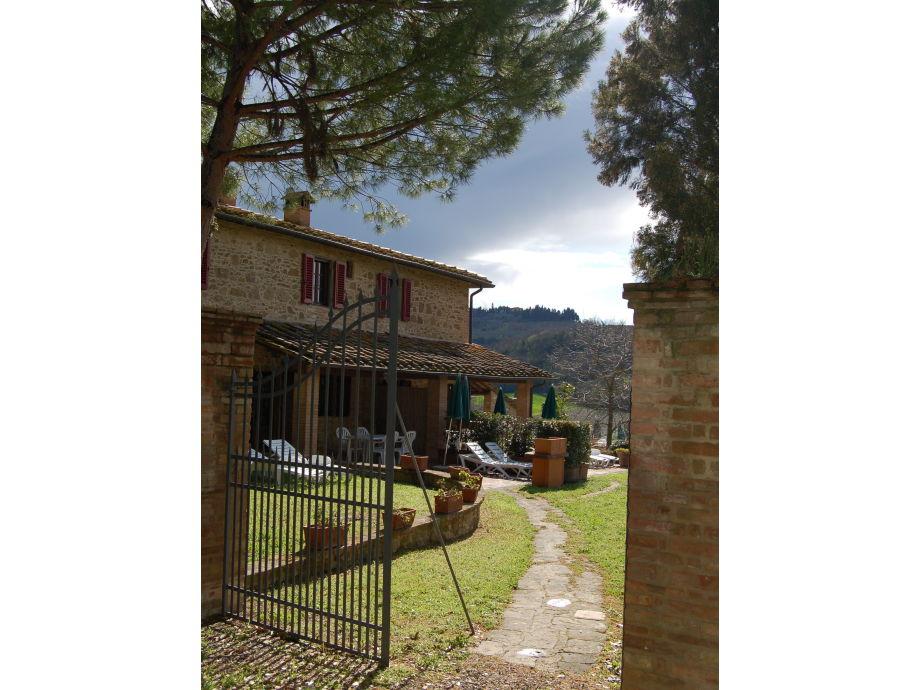 Außenaufnahme La Margherita - Reasonable holiday apartment with pool