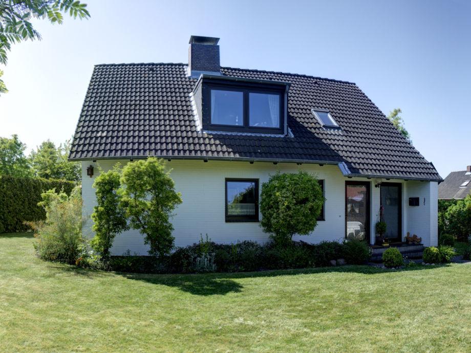 """Das Ferienhaus """"Oeher Ring"""", Gartenansicht"""