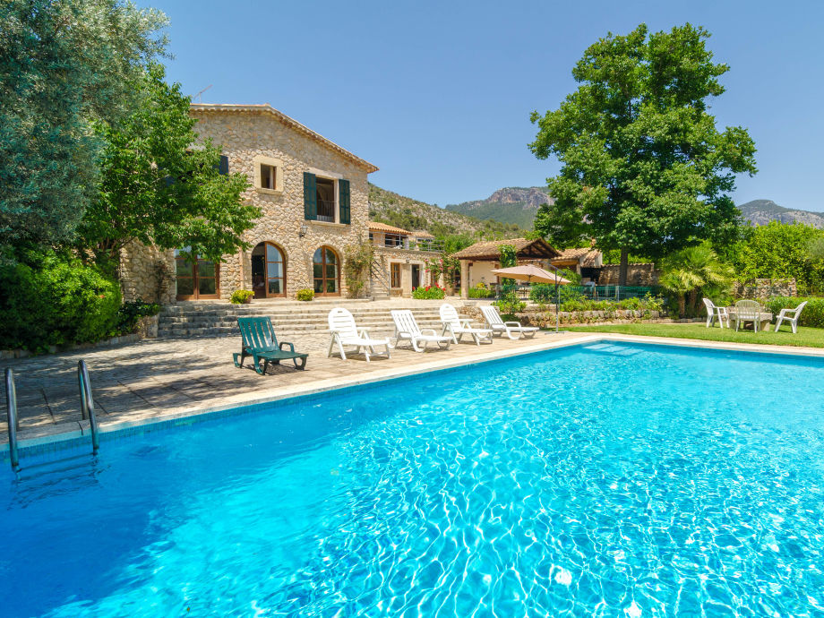 Villa Reina with swimming pool