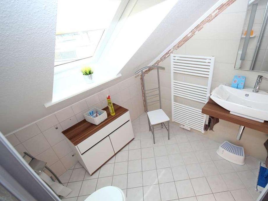 Ferienwohnung 2 in der villa heldt ostsee ostholstein for Design planken badezimmer