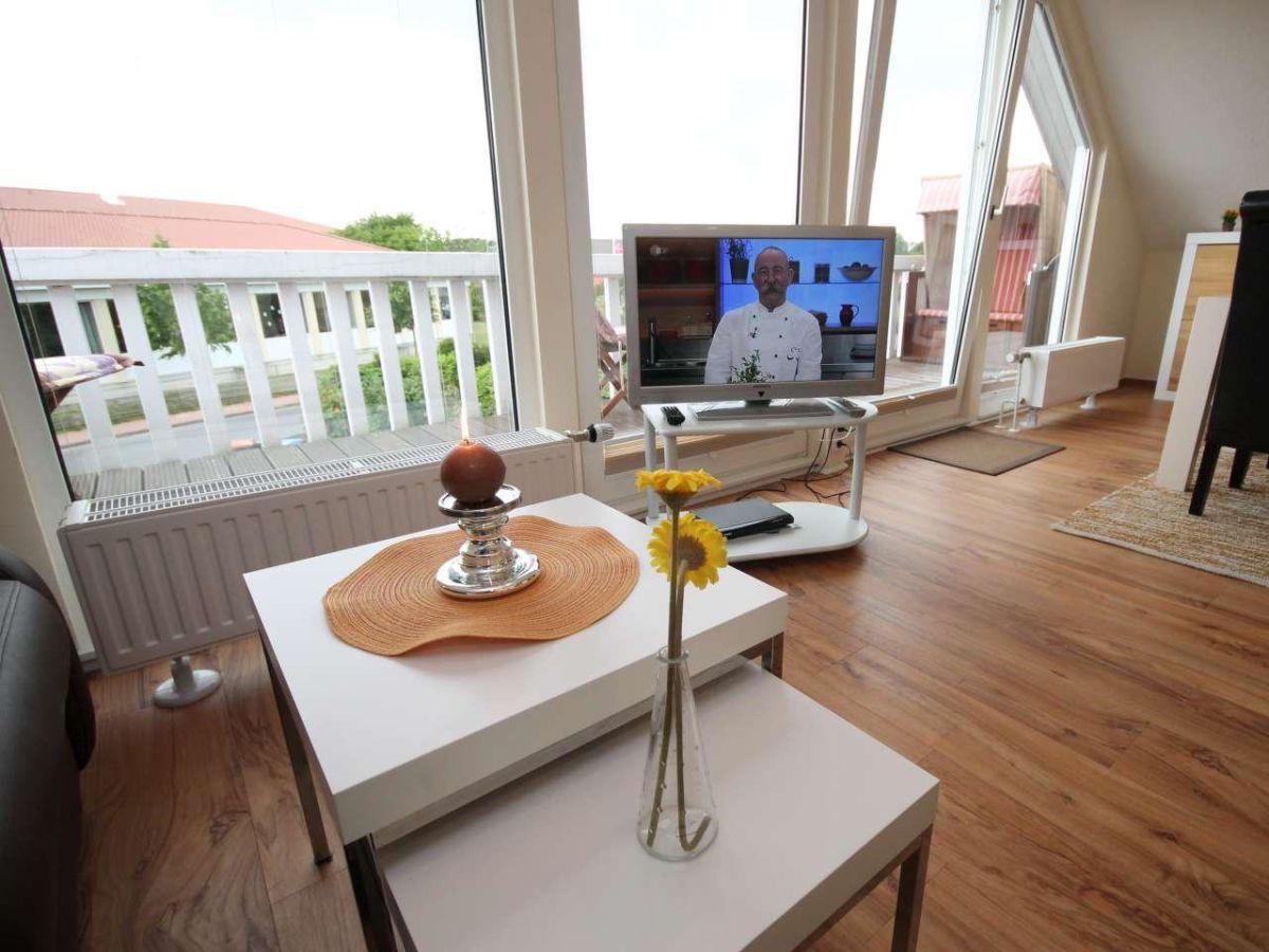 ferienwohnung 2 in der villa heldt ostsee ostholstein. Black Bedroom Furniture Sets. Home Design Ideas