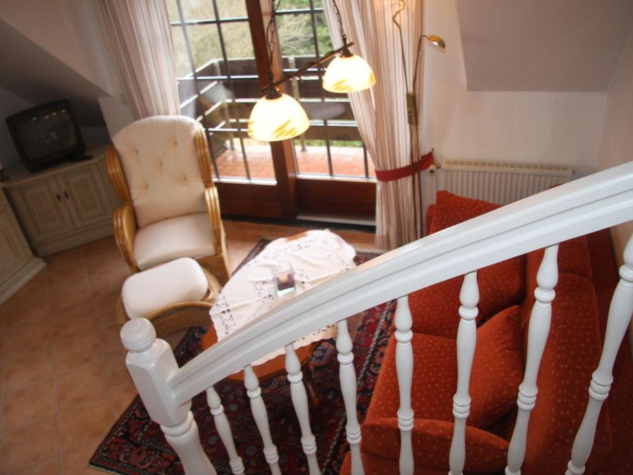 Wohnzimmer und Treppenaufgang