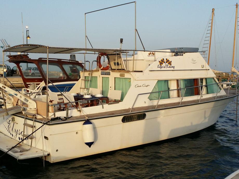 Außenaufnahme Elysa, Hausboot in Marzamemi