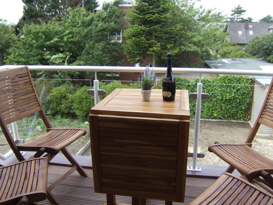 Genießen Sie die Abendsonne auf dem Balkon