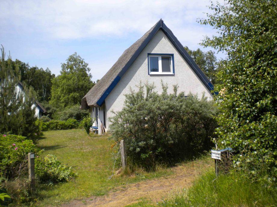 Ferienhaus reetdachhaus auf hiddensee ostseeinsel herr for Haus und garten