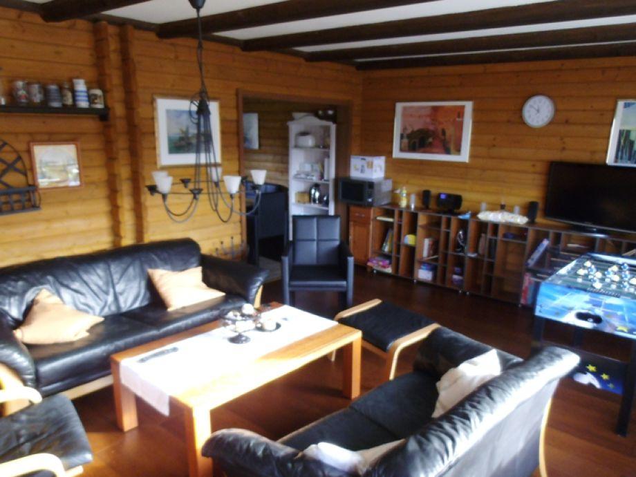 Wohnzimmer OG Haus 68 Bergblick mit Kicker