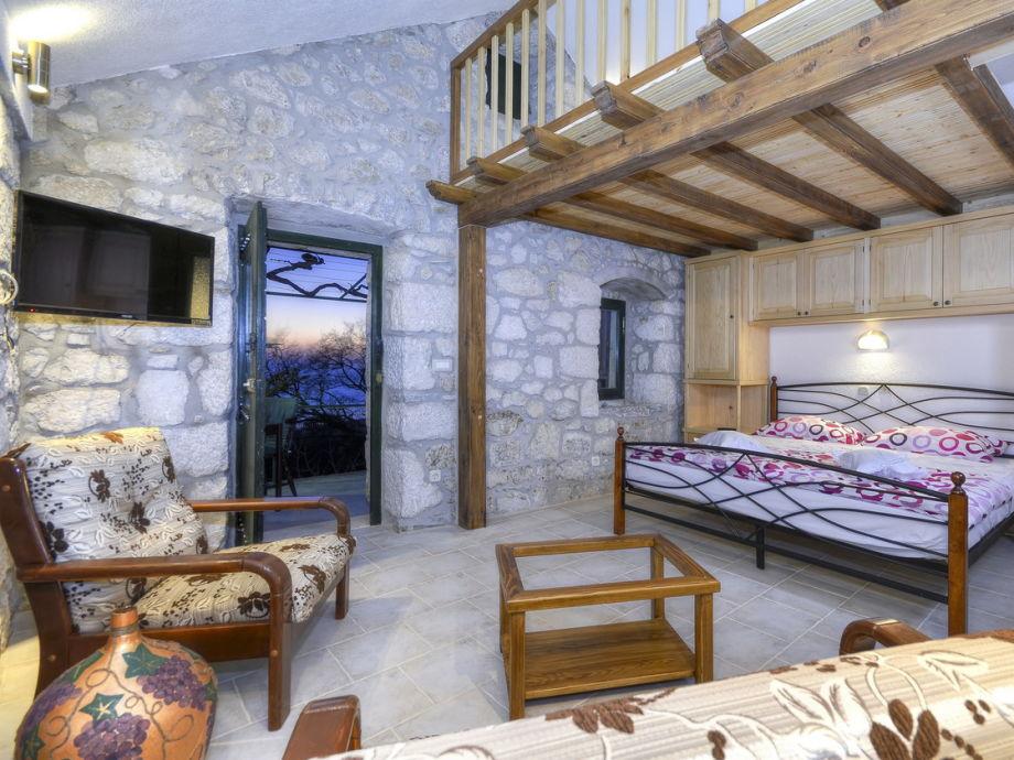 ferienhaus volat dalmatien ba ka voda firma prominens. Black Bedroom Furniture Sets. Home Design Ideas