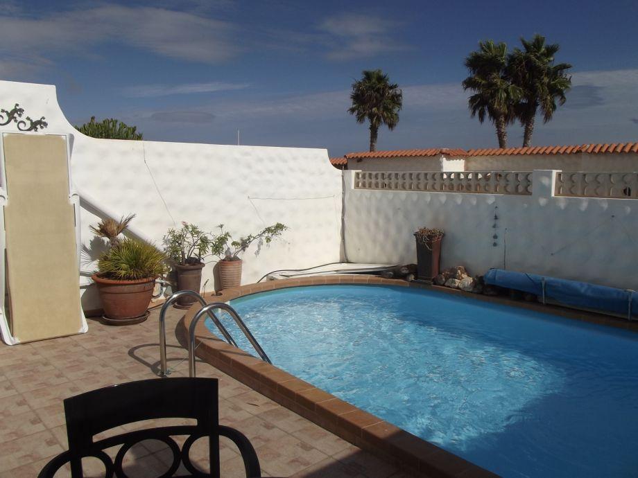 privater Pool, solarbeheizt