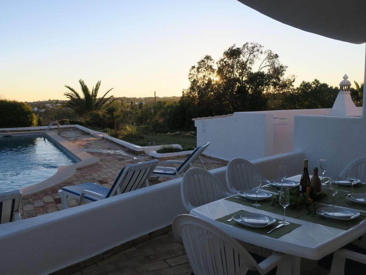 Villa nova esperan a nur m vom traumhaften strand for Riesen gartenpool