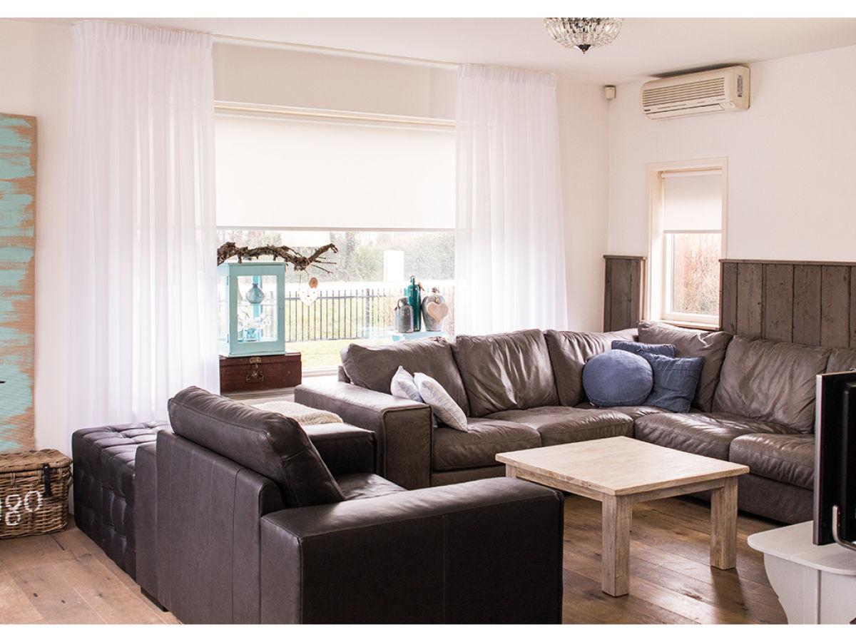 Villa pakhuys julianadorp firma vrijheid verhuur for Eingerichtete wohnzimmer