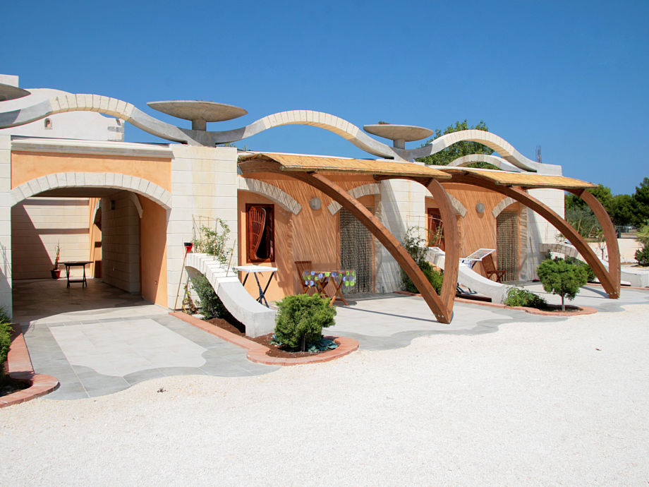Das Hauptgebäude mit 11 Ferienwohnungen