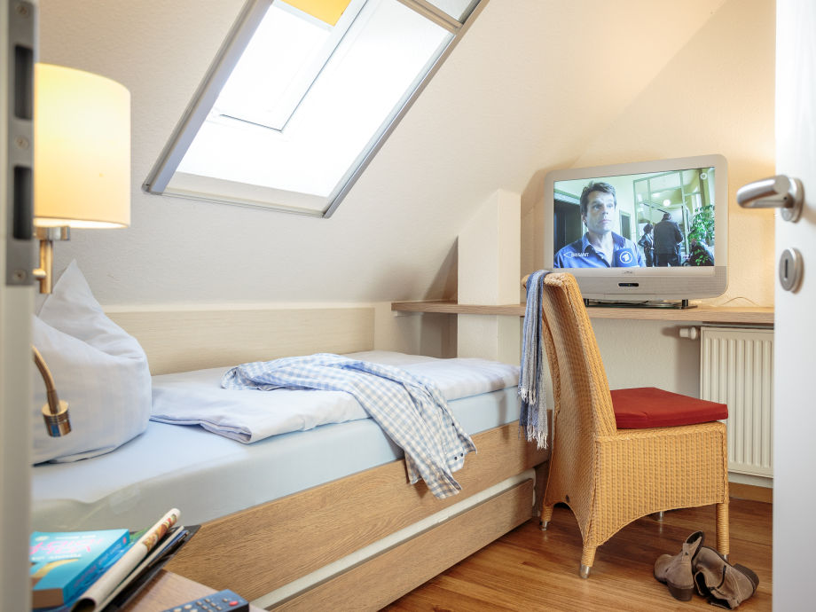 Ferienhaus robbenplate haus 22 nordsee butjardingen - Schlafzimmer dachgeschoss ...