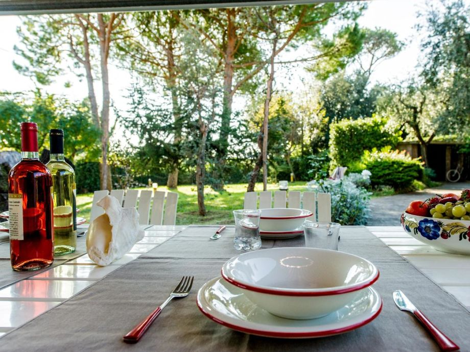 Genießen Sie Ihre Mahlzeiten auf der Terrasse