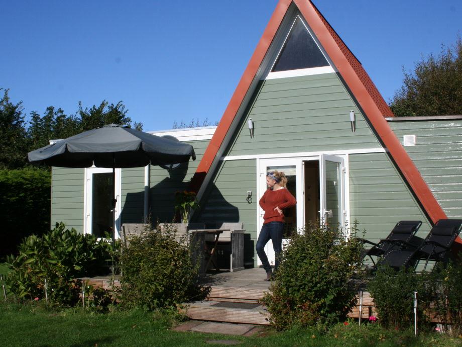 Ferienhaus mit schöner Holzterrasse