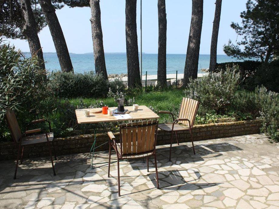 ferienhaus am strand in fa ana fa ana istrien firma tourist agency bonsai mr ivan ugar. Black Bedroom Furniture Sets. Home Design Ideas