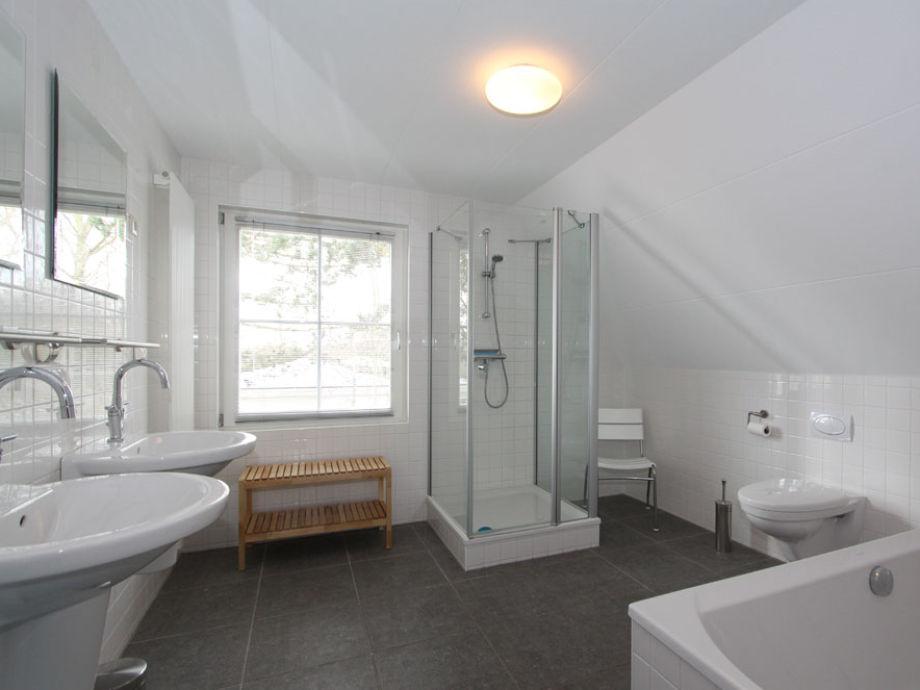 Knstliche Steinwand Wohnzimmer Moderne Badezimmer Mit Dusche Und2 Moderne  Inspiration