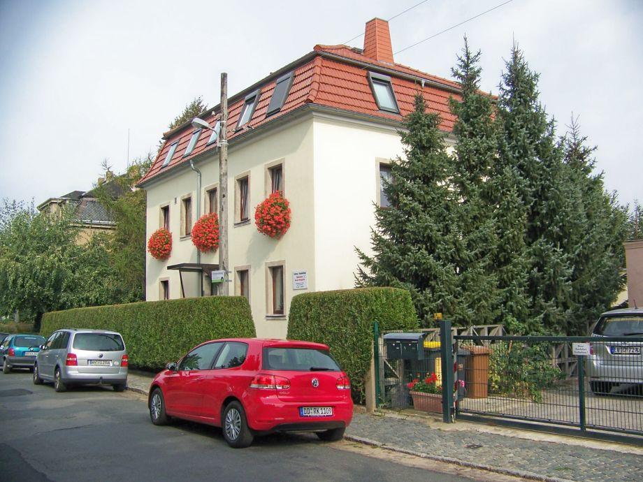 Haus Strassenansicht