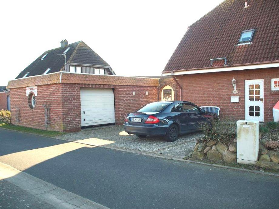 unser Ferienhaus mit Parkplatz