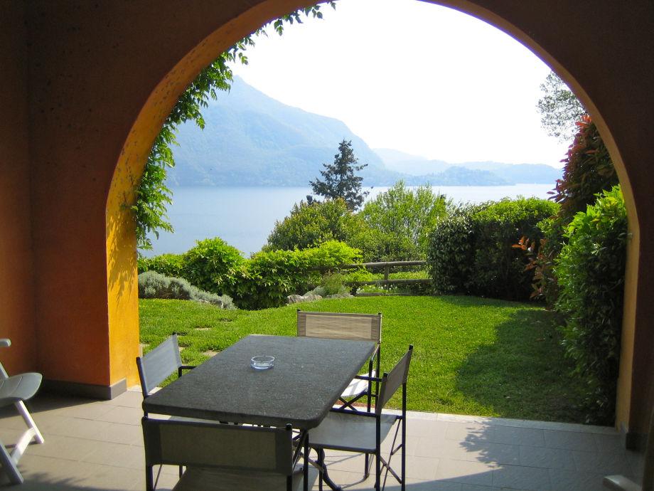 Blick über den Lago Maggiore