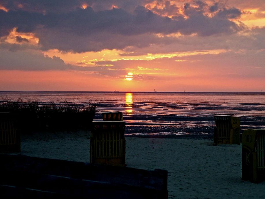 Sonnenuntergang im Cuxhavener Watt