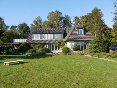 Landhaus mit Seeblick