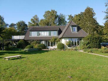 Ferienwohnung im Landhaus mit Seeblick