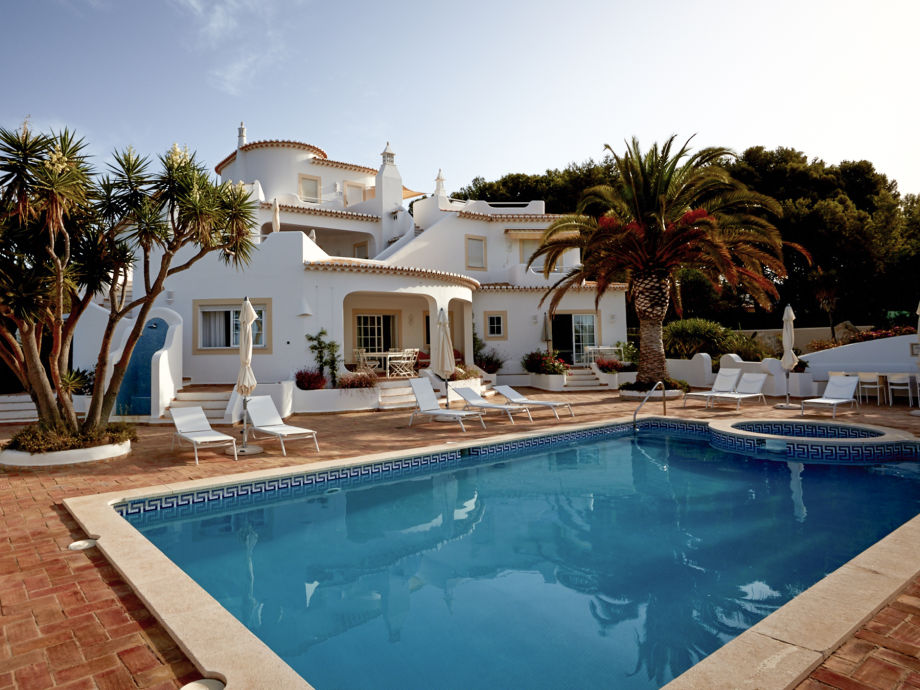 Südseite, Terrasse mit Pool