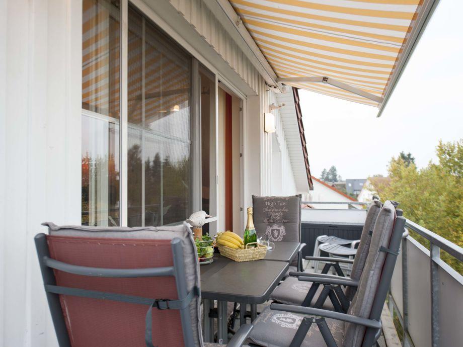 Apartment quotzum kranichquot mecklenburg vorpommern fischland for Markise balkon mit tapeten von hammer
