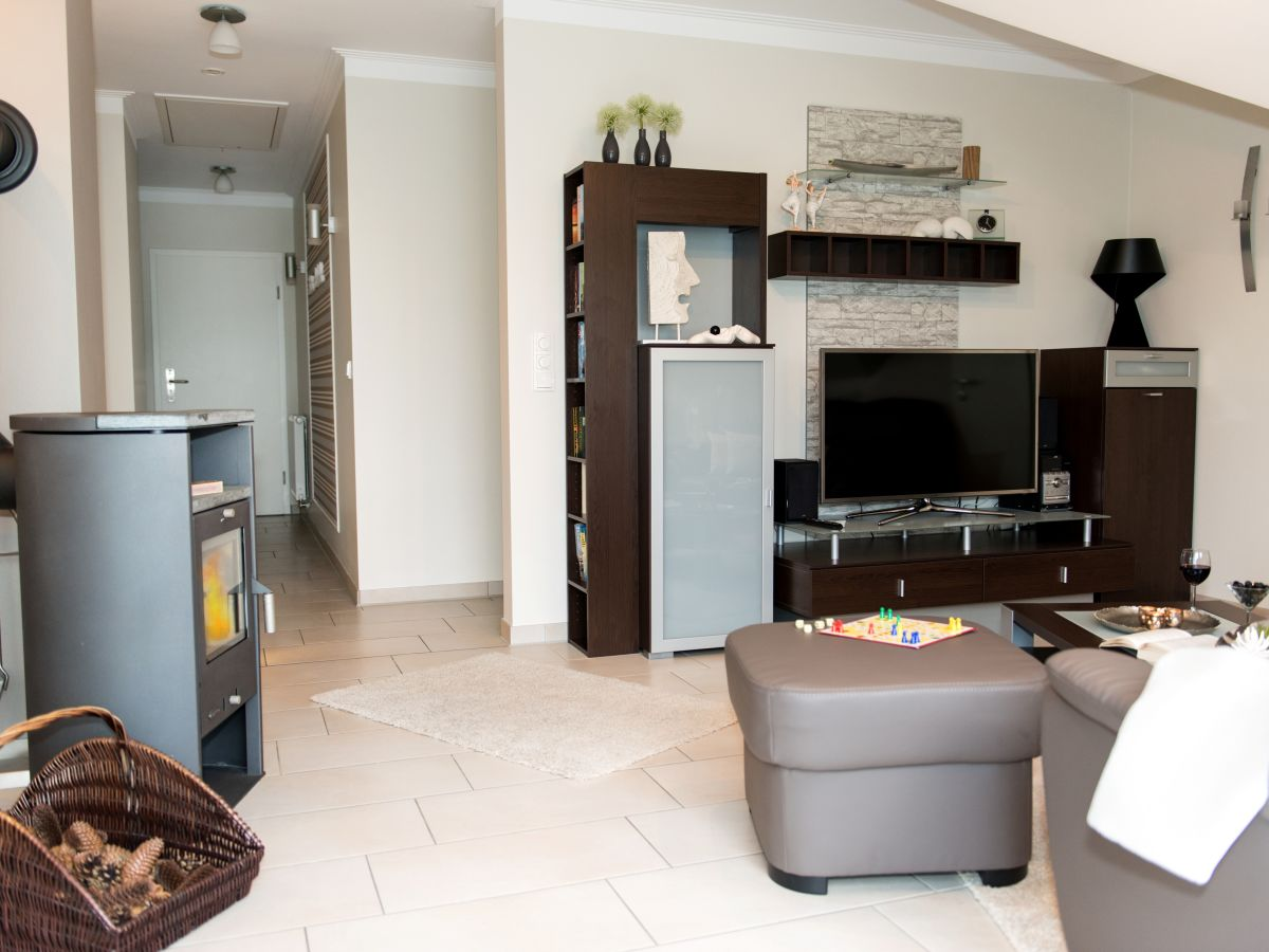 ferienwohnung zum kranich zingst firma iss immobilien service spieckermann e k frau. Black Bedroom Furniture Sets. Home Design Ideas